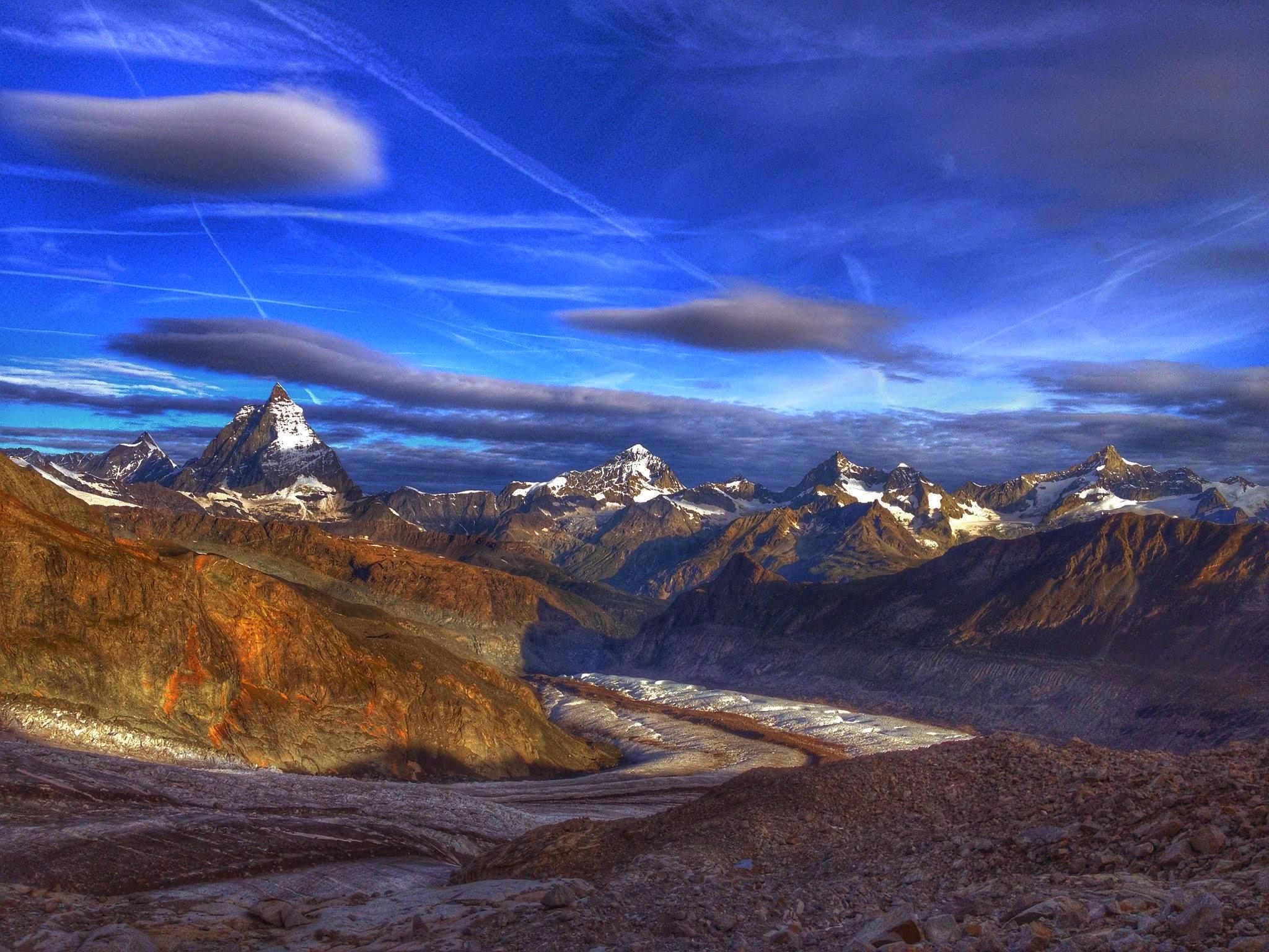 Blick Matterhorn Grenzgletscher auf Tour mit Bergfuehrer Wallis