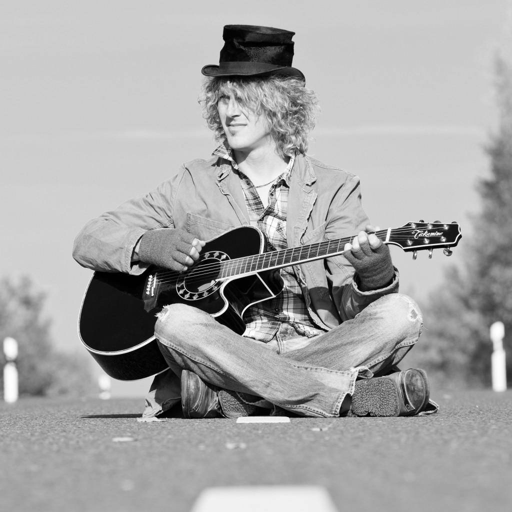 Ivo Meier Gitarre Top Hat Man